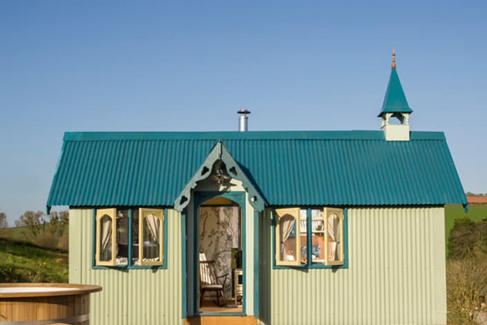The Cornish Tabernacle and hot tub at Brownscombe Luxury Glamping in Devon